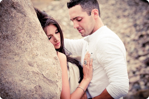 Amanda-and-Josh_desert-engagement-session_Okanagan-BC-portraits36090_by-Kevin-Trowbridge