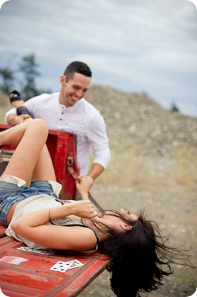Amanda-and-Josh_desert-engagement-session_Okanagan-BC-portraits7602_by-Kevin-Trowbridge