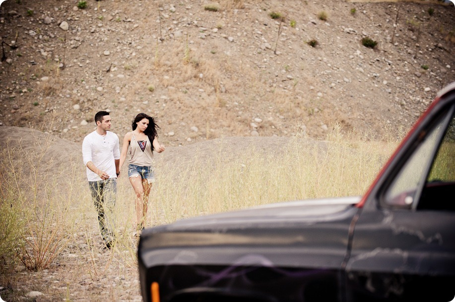 Amanda-and-Josh_desert-engagement-session_Okanagan-BC-portraits8002_by-Kevin-Trowbridge