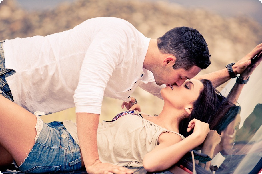 Amanda-and-Josh_desert-engagement-session_Okanagan-BC-portraits8085_by-Kevin-Trowbridge