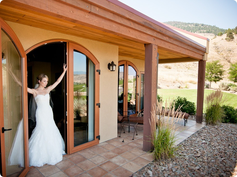 Julia and Dale_wedding_Vaseux-lake_Okanagan_summer_Hester Creek Winery_Oliver35253_by-Kevin-Trowbridge