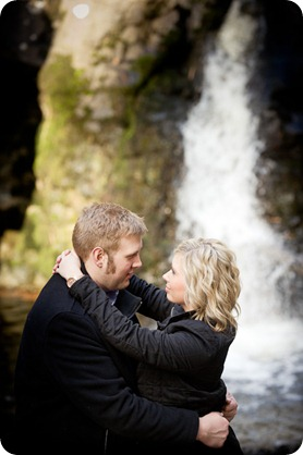 Mill-Creek-Park-engagement-portraits_Kelowna-wedding-for-Edmonton-bride2584_by-Kevin-Trowbridge