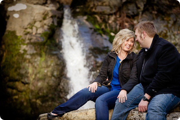 Mill-Creek-Park-engagement-portraits_Kelowna-wedding-for-Edmonton-bride2612_by-Kevin-Trowbridge