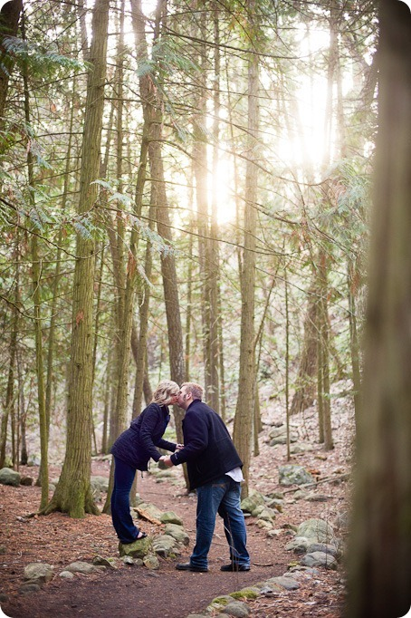 Mill-Creek-Park-engagement-portraits_Kelowna-wedding-for-Edmonton-bride2791_by-Kevin-Trowbridge