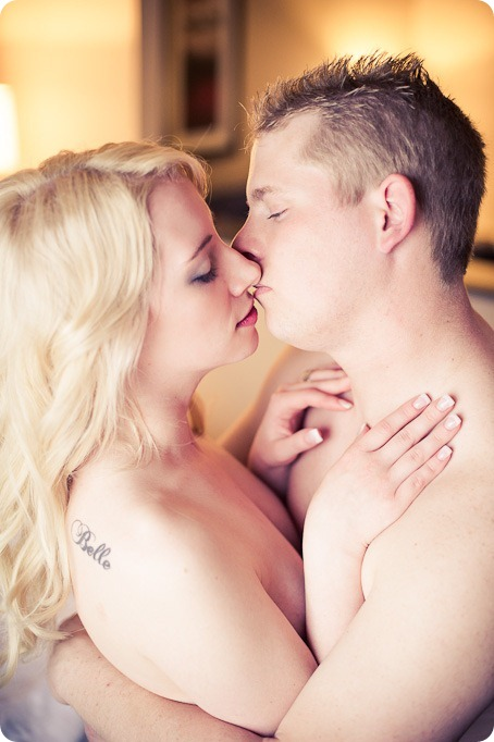 hotel-bedroom-beach-engagement-portraits_Kelowna3697_by-Kevin-Trowbridge