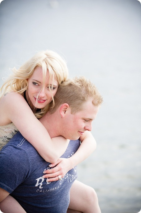 hotel-bedroom-beach-engagement-portraits_Kelowna4100_by-Kevin-Trowbridge