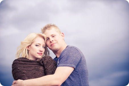 hotel-bedroom-beach-engagement-portraits_Kelowna4251_by-Kevin-Trowbridge