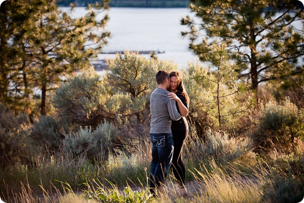 Vintage-car_Knox-Mountain_Lake_Beach-engagement-photos_Kelowna_Okanagan_wedding_6707_by-Kevin-Trowbridge