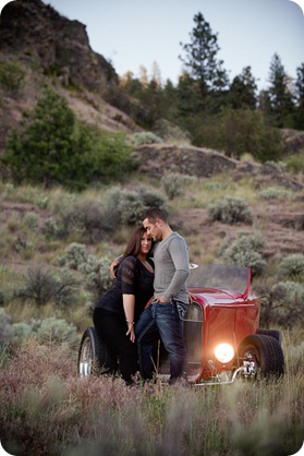 Vintage-car_Knox-Mountain_Lake_Beach-engagement-photos_Kelowna_Okanagan_wedding_6877_by-Kevin-Trowbridge