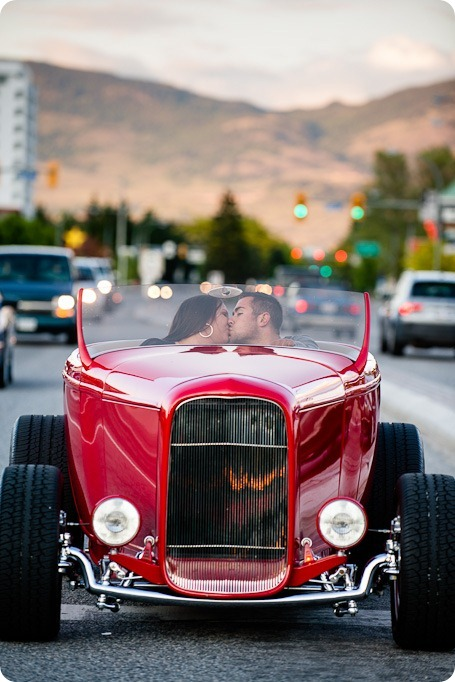 Vintage-car_Knox-Mountain_Lake_Beach-engagement-photos_Kelowna_Okanagan_wedding_7042_by-Kevin-Trowbridge
