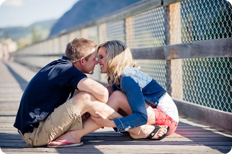penticton-engagement-session_lake-portraits09_by-Kevin-Trowbridge