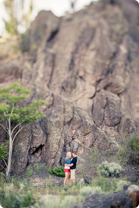 penticton-engagement-session_lake-portraits11_by-Kevin-Trowbridge