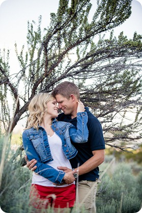 penticton-engagement-session_lake-portraits16_by-Kevin-Trowbridge