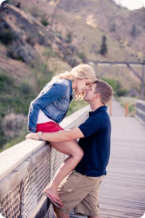penticton-engagement-session_lake-portraits19_by-Kevin-Trowbridge