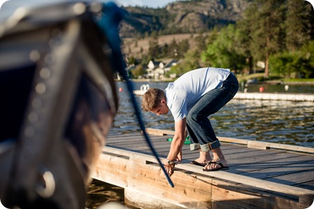 penticton-engagement-session_lake-portraits30_by-Kevin-Trowbridge