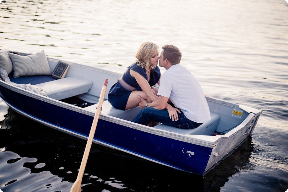 penticton-engagement-session_lake-portraits43_by-Kevin-Trowbridge