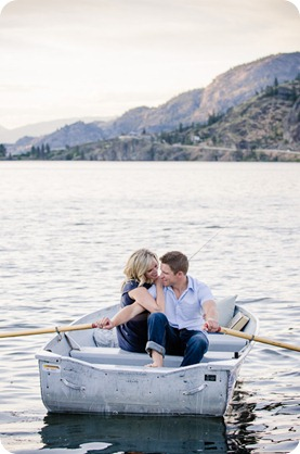 penticton-engagement-session_lake-portraits46_by-Kevin-Trowbridge