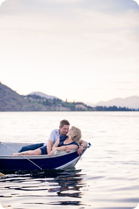 penticton-engagement-session_lake-portraits51_by-Kevin-Trowbridge