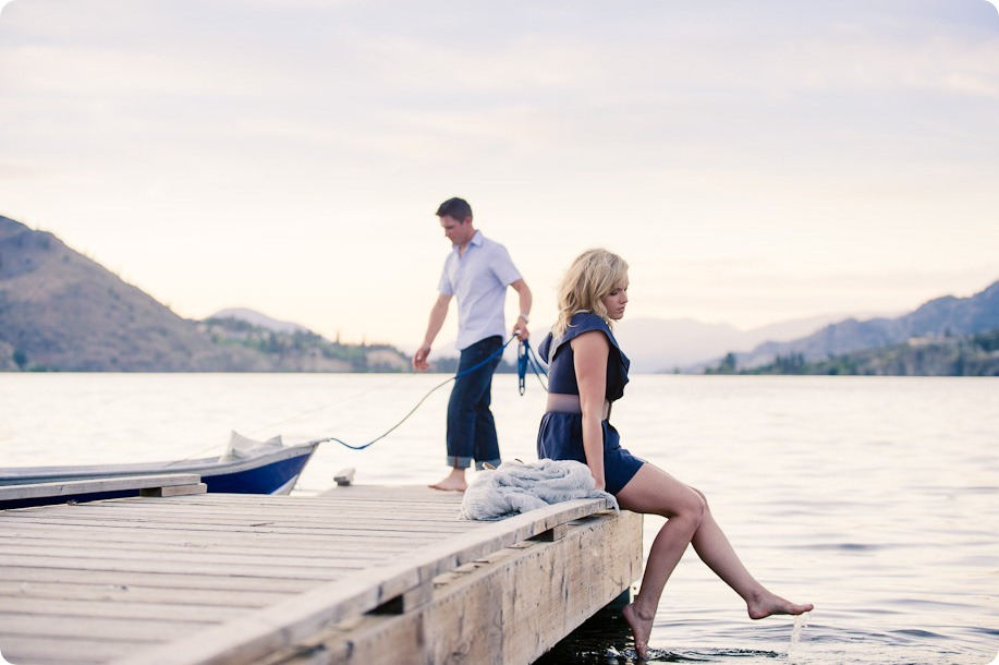 penticton-engagement-session_lake-portraits52_by-Kevin-Trowbridge