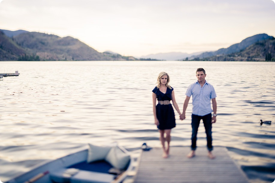 penticton-engagement-session_lake-portraits55_by-Kevin-Trowbridge