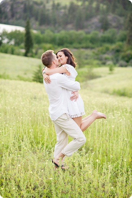 Vernon-engagement-photographer_lake-horse_39_by-Kevin-Trowbridge