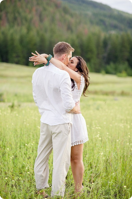 Vernon-engagement-photographer_lake-horse_40_by-Kevin-Trowbridge
