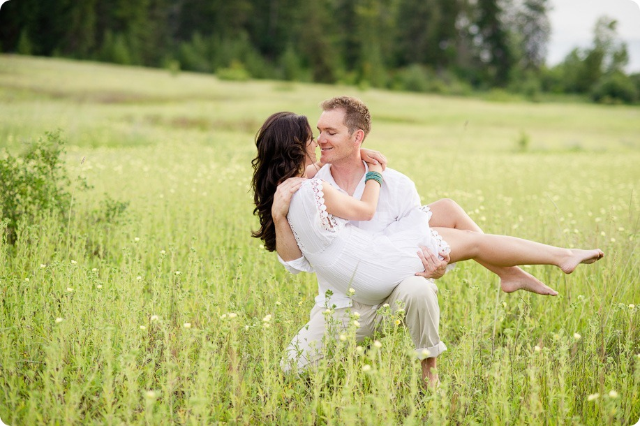 Vernon-engagement-photographer_lake-horse_42_by-Kevin-Trowbridge