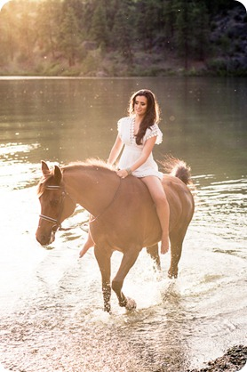 Vernon-engagement-photographer_lake-horse_47_by-Kevin-Trowbridge