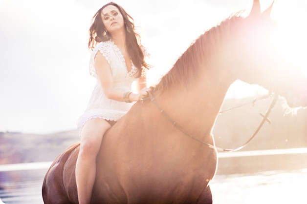 Vernon-engagement-photographer_lake-horse_48_by-Kevin-Trowbridge