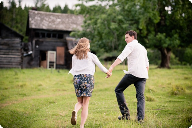 Vernon-engagement-session_family-homestead3596_by-Kevin-Trowbridge