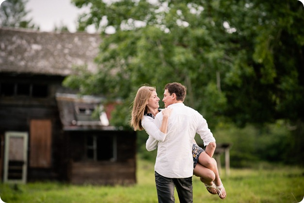 Vernon-engagement-session_family-homestead3613_by-Kevin-Trowbridge