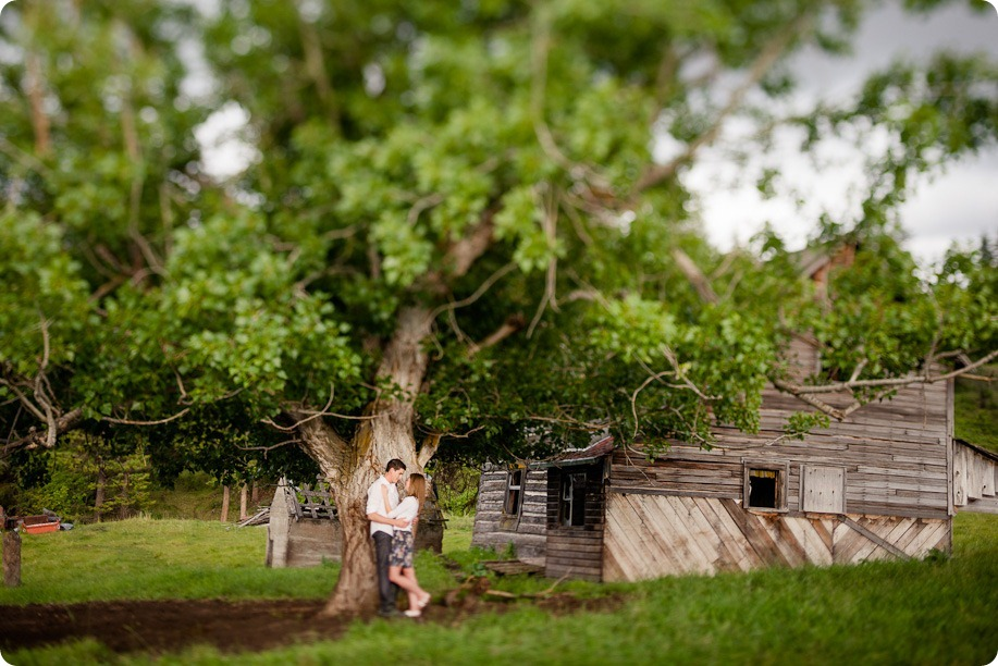Vernon-engagement-session_family-homestead3807_by-Kevin-Trowbridge