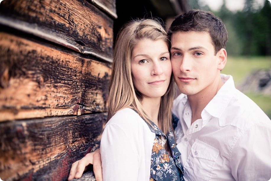 Vernon-engagement-session_family-homestead4129_by-Kevin-Trowbridge