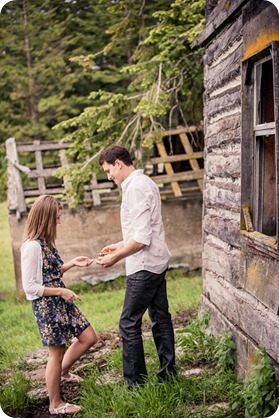 Vernon-engagement-session_family-homestead4261_by-Kevin-Trowbridge