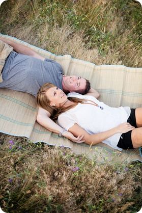 Okanagan-Lake-engagement-session_fun-couple-field-dog-wine08_by-Kevin-Trowbridge