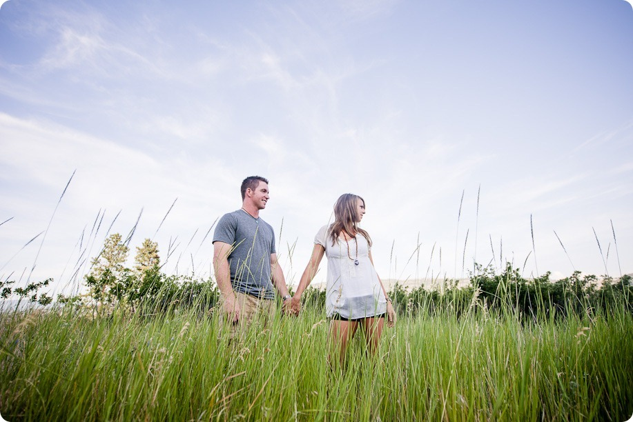 Okanagan-Lake-engagement-session_fun-couple-field-dog-wine11_by-Kevin-Trowbridge