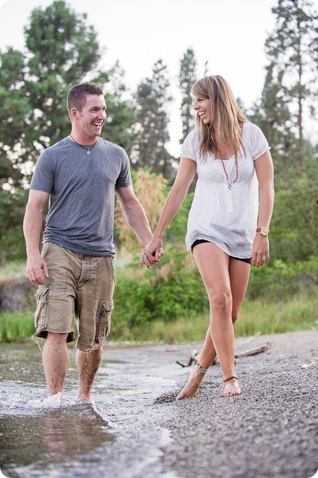 Okanagan-Lake-engagement-session_fun-couple-field-dog-wine24_by-Kevin-Trowbridge