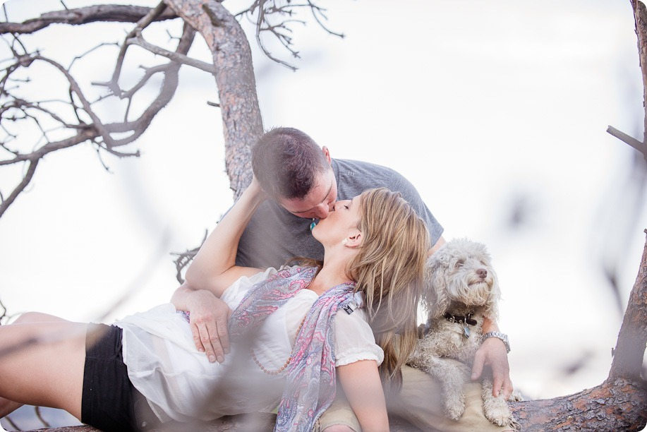 Okanagan-Lake-engagement-session_fun-couple-field-dog-wine37_by-Kevin-Trowbridge
