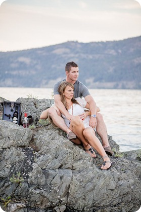 Okanagan-Lake-engagement-session_fun-couple-field-dog-wine51_by-Kevin-Trowbridge