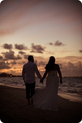 Hawaii-wedding-Lanikai-beach-sunset-surfboards_55_by-Kevin-Trowbridge