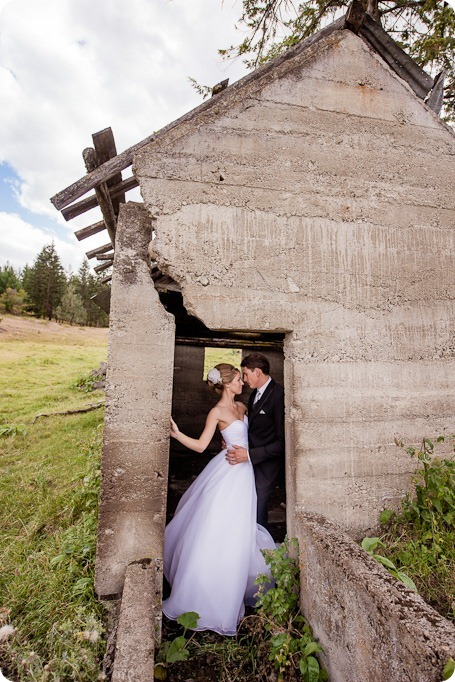 Kelowna-Delta-Grand-Wedding-homestead-Vernon_104_by-Kevin-Trowbridge