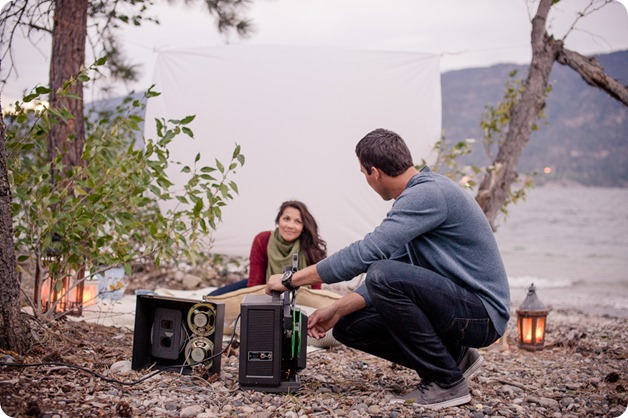 Okanagan-Lake-Canadiana-engagement-session_canoe-outdoor-movie141_by-Kevin-Trowbridge