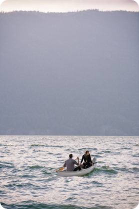 Okanagan-Lake-Canadiana-engagement-session_canoe-outdoor-movie19_by-Kevin-Trowbridge