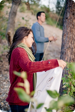 Okanagan-Lake-Canadiana-engagement-session_canoe-outdoor-movie86_by-Kevin-Trowbridge