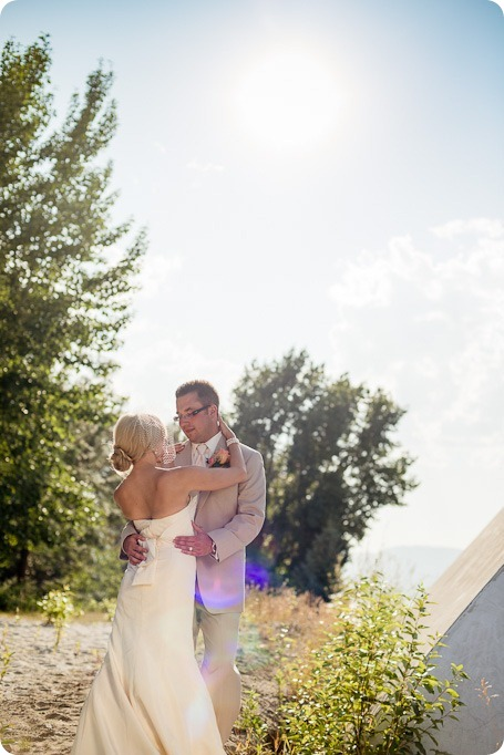 vintage-summerhill-schoolhouse-wedding-Kelowna_147_by-Kevin-Trowbridge