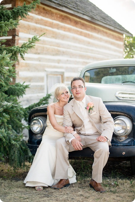 vintage-summerhill-schoolhouse-wedding-Kelowna_154_by-Kevin-Trowbridge