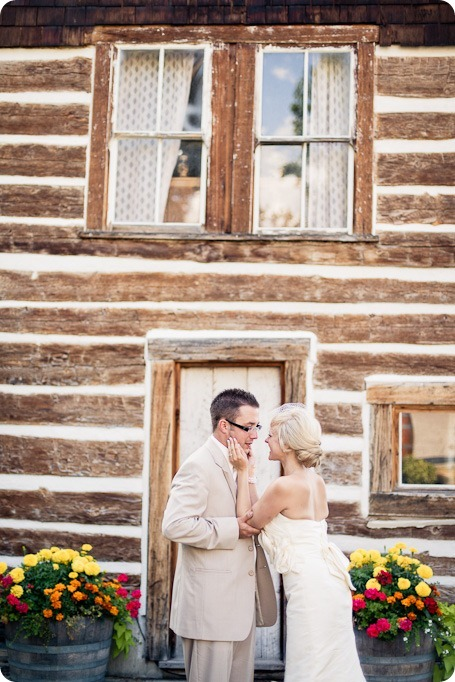 vintage-summerhill-schoolhouse-wedding-Kelowna_157_by-Kevin-Trowbridge