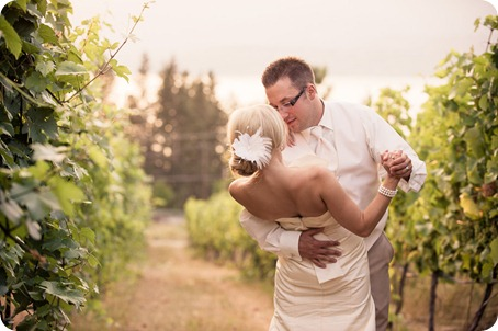 vintage-summerhill-schoolhouse-wedding-Kelowna_179_by-Kevin-Trowbridge