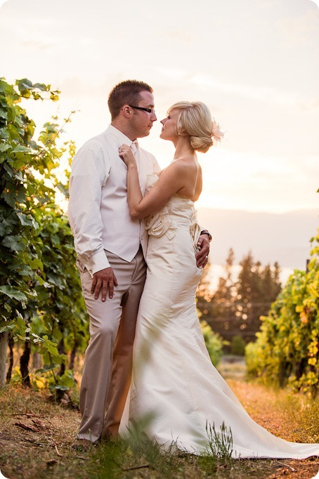 vintage-summerhill-schoolhouse-wedding-Kelowna_184_by-Kevin-Trowbridge