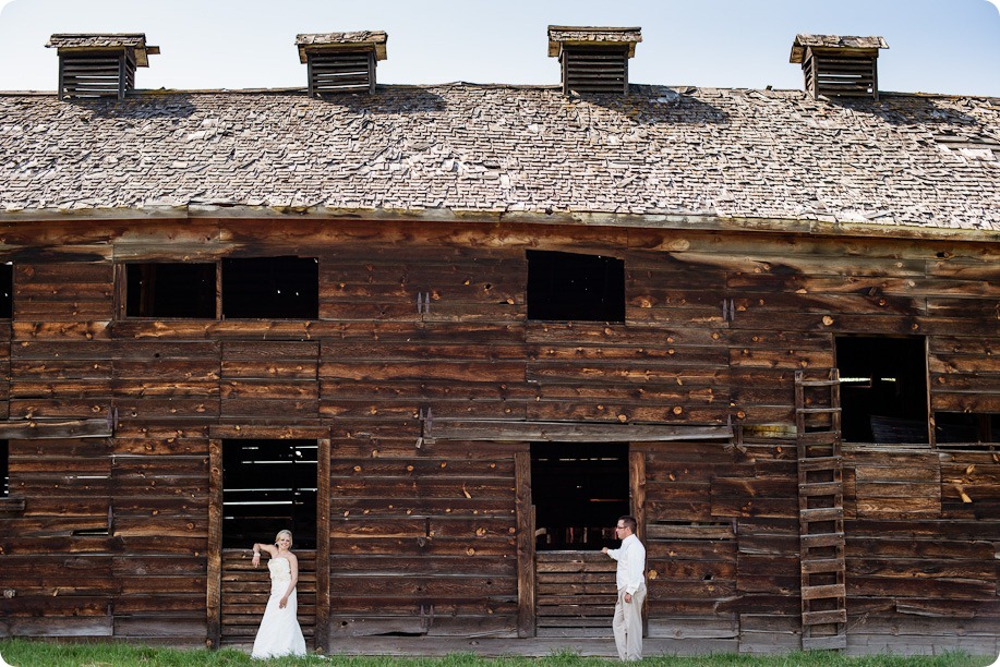 vintage-summerhill-schoolhouse-wedding-Kelowna_66_by-Kevin-Trowbridge